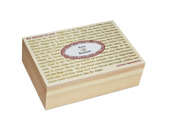 Hochzeitserinnerungen in der Holzbox
